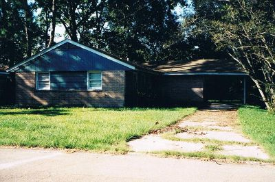 $1,050, 3br, Large 3 bedroom house