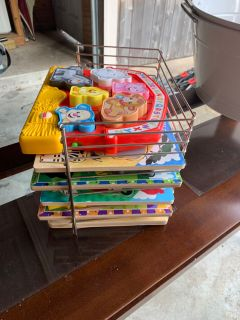 Melissa and Doug Puzzles and Organizer