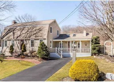 111 Winsor Drive Dracut Three BR, Stop the Car! This house is for