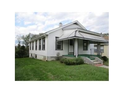 2 Bed 1 Bath Foreclosure Property in King Of Prussia, PA 19406 - B St