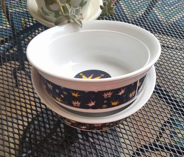 DOG BOWLS - FIT FOR A KING OR QUEEN