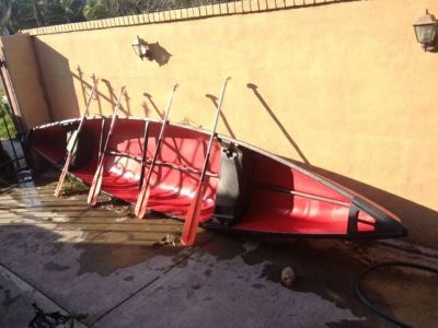 Canoe with Paddles - Canoa con remos $400