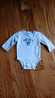 Carter's onesie. Great condition. Size 9M