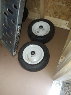 Solid wheels for lawn mower