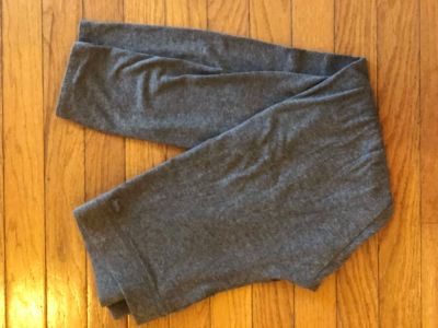 VS Pink Gray Cropped Leggings Size Large