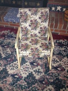 KIDS ANTIQUE ROCKING CHAIR