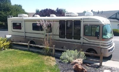 By Owner! 1996 36 ft. Fleetwood Bounder