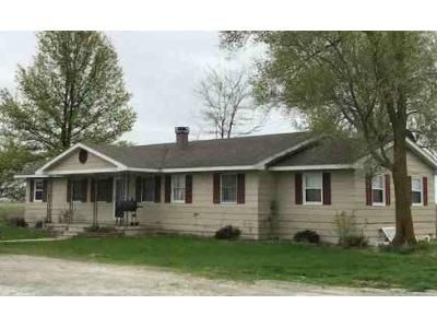 3 Bed 1.5 Bath Foreclosure Property in Jacksonville, MO 65260 - County Road 1675