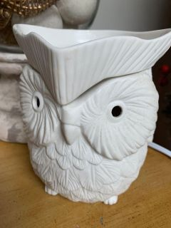 SCENTSY WHITE OWL WARMERwith Bulb
