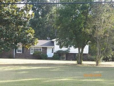 3 Bed 1 Bath Foreclosure Property in Rainsville, AL 35986 - Dilbeck Rd E