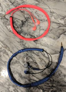2 pairs of tangle proof ear buds