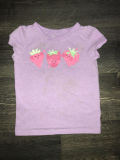 Circo shirt. Play condition. Size 3t, but fits more like a 2t. Free with a purchase.