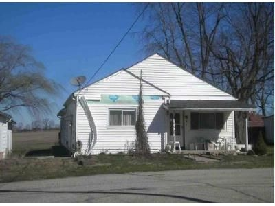 4 Bed 2 Bath Foreclosure Property in Ashville, OH 43103 - State St
