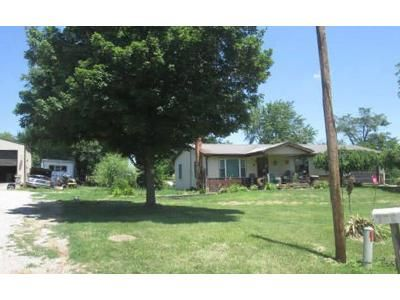 2 Bed 1 Bath Foreclosure Property in Perryville, MO 63775 - Pcr 814