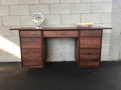 MID CENTURY MODERN 7 Drawer Desk