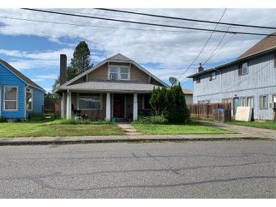 4 Bed 1 Bath Preforeclosure Property in Saint Helens, OR 97051 - Columbia Blvd