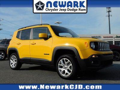 2018 Jeep Renegade LATITUDE 4X4 (Solar Yellow)