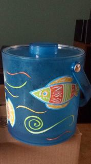 One fish, two fish, red fish, blue fish ice bucket!