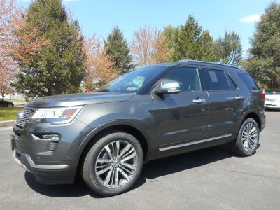 2018 Ford Explorer Platinum (magnetic)
