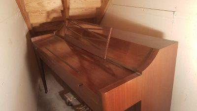 Acrosonic upright piano