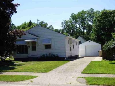 1121 Canterbury Drive SOUTH BEND, Fantastic opportunity to