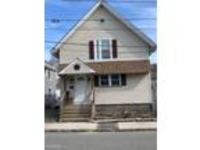 Four BR Two BA In Willimantic CT 06226