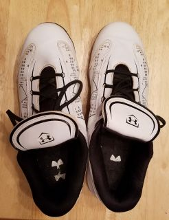 Under Armour women's Glyde TPU CC cleats white and black #1233551-101 size 10