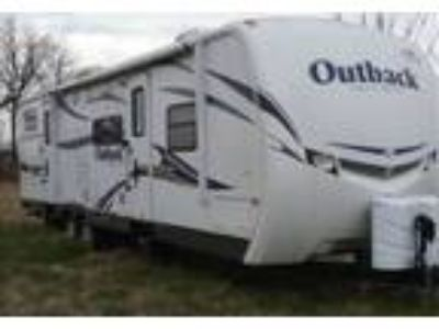 2011 Keystone RV Outback-10th-Anniversary Travel Trailer in Washington, IN