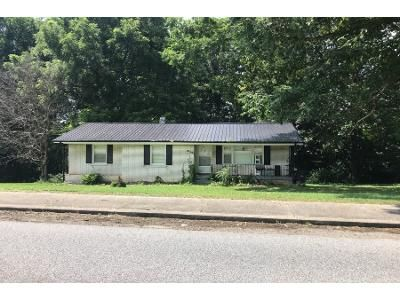 3 Bed 2 Bath Preforeclosure Property in Red Boiling Springs, TN 37150 - Lafayette Rd