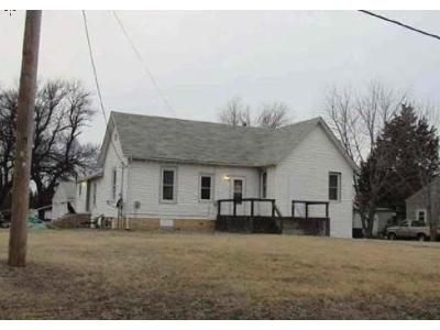3 Bed 1 Bath Foreclosure Property in Ellinwood, KS 67526 - S Humbolt Ave