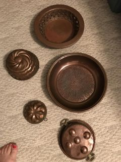 Copper pans and plates