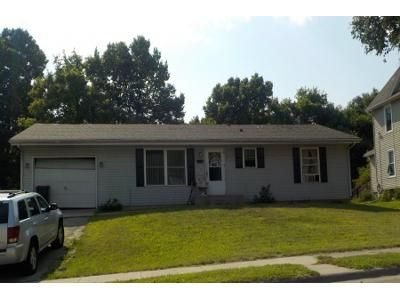 Preforeclosure Property in Rockford, IL 61101 - Forest Ave