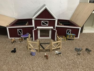 Handmade toy barn with animals to go with it! $100 OBO