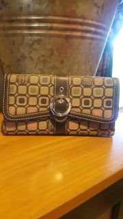 Liz and co card holder _wallet used