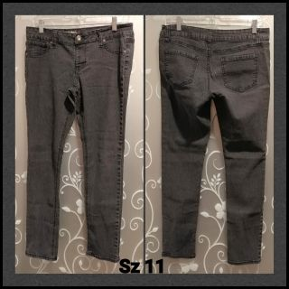 WOMENS FADED BLACK JEANS SIZE 11