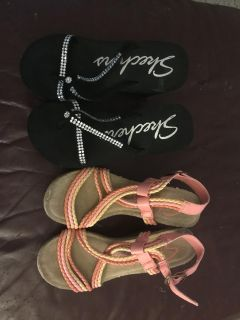 2 pairs of size 6 Skechers sandals
