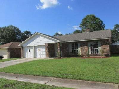 4 Bed 2 Bath Foreclosure Property in Slidell, LA 70458 - Knights Dr