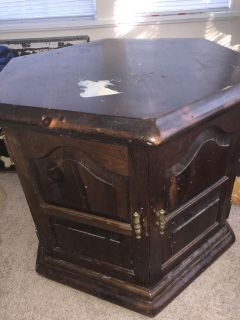 End table or nightstand