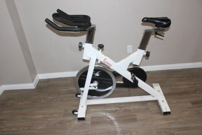 Chain Drive Indoor Cycling Trainer Exercise Bike by Sunny Health & Fit