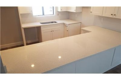 COMPLETLY REMODELED 2 BED 2 BATH TOWNHOUSE