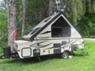 2018 Forest River Rockwood Hard Side A122S 12ft