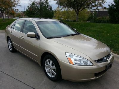 $2,200, 2005 Honda Accord EX V6 ONE Owner LOW Miles