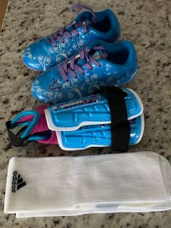 Vizari Toddler Girls Soccer Cleats, Shin Guards and Socks