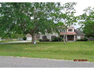 5 Bed 3 Bath Foreclosure Property in Gulfport, MS 39503 - S Lake Forest Dr