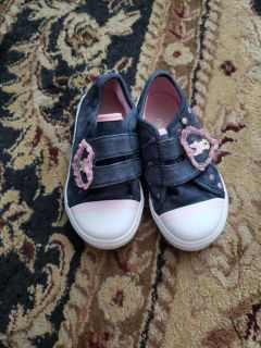 Disney Minnie mouse sneakers in euc