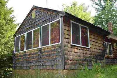 724 Oregon Road Concord, This 4 season 1 + br home sits on