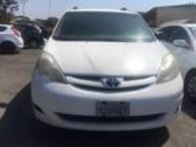 2007 Toyota Sienna CE FWD 7-Passenger Seating