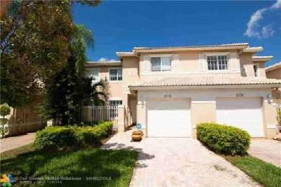 17151 NW 23rd St Pembroke Pines, Beautiful 2 story townhouse