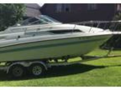 1994 Chaparral Signature-24 Power Boat in Springfield, VT