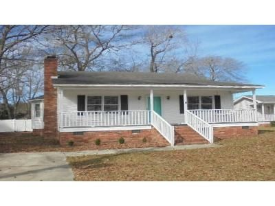3 Bed 2 Bath Foreclosure Property in Florence, SC 29501 - Florida Dr